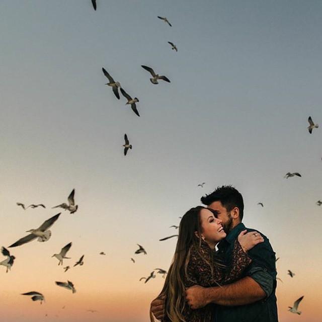 Desejo de um final de semana com muitoss beijos e abraços, verdadeiro