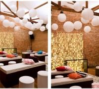 Fabiana Moura Projetos Personalizados - decoração casamento Tiella moderno toques vintages e românticos colorido com preto e branco - bolas almofadas luzinhas