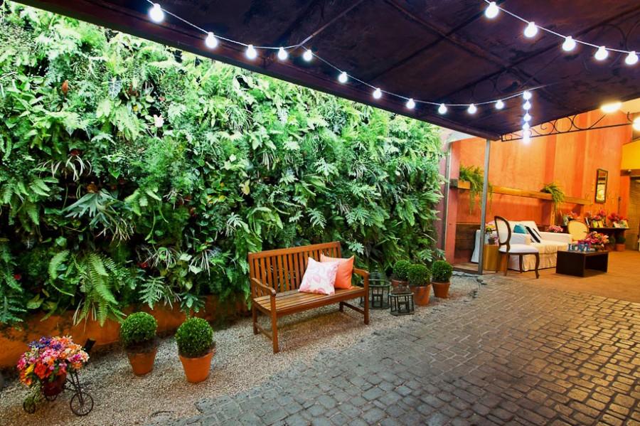 Fabiana Moura Projetos Personalizados - decoração casamento Tiella moderno toques vintages e românticos colorido com preto e branco - jardim