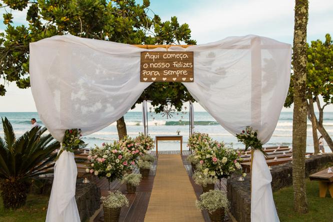 Casamento em Ubatuba (sem chuva) – Ellen & Marcelo