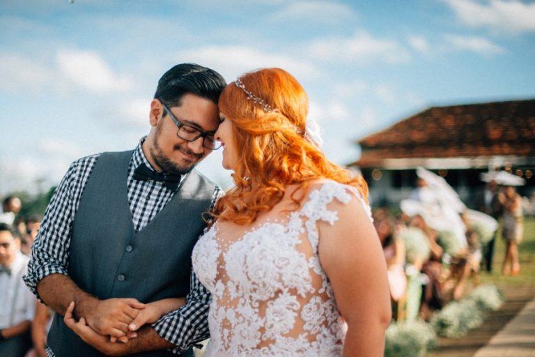 Casamento com chuva de bençãos e sol de Deus – Carol & Fernando