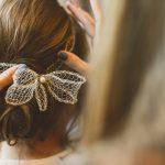 Acessórios lindos e delicados para o cabelo da noiva