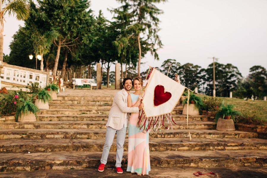 """Casamento autêntico e emocionante """"sem cara de casamento"""" – Marcela & Lucas"""