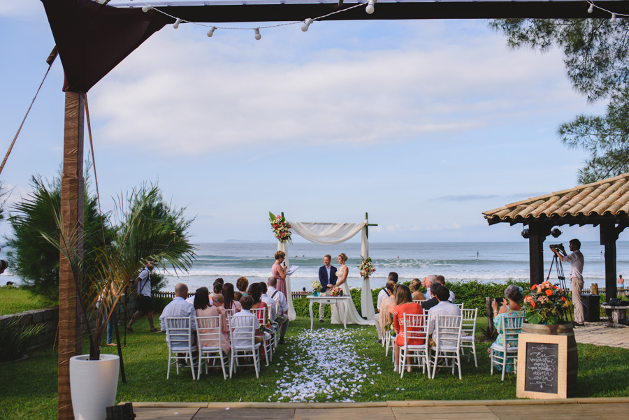 Casamento Intimista na Praia da Garopaba – Vanessa & Rafa