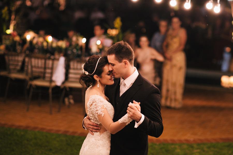 Casamento delicado ao ar livre – Pamela & Antônio