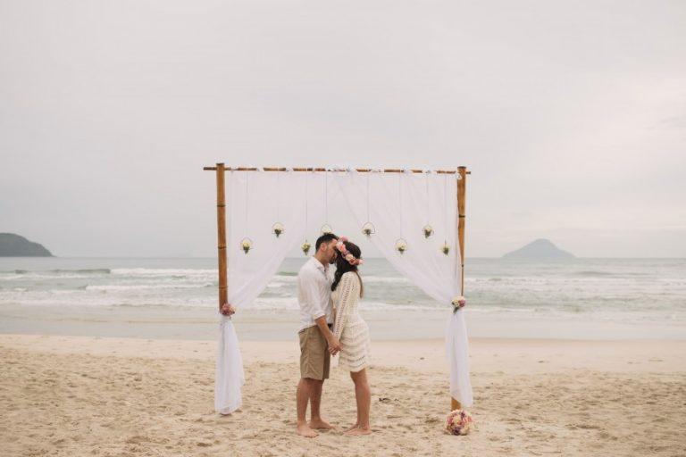Renovação de votos (surpresa) na praia – Naiade & Felipe
