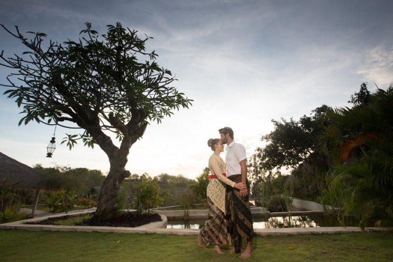 1 casal e 3 casamentos – Casamento a Dois na Ásia