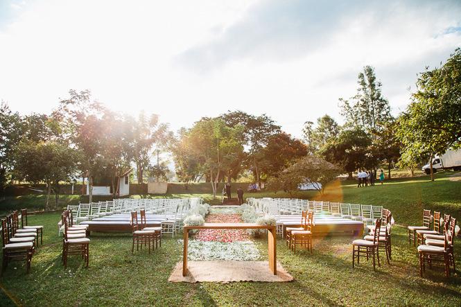 Casamento Romântico na Fazenda – Denise & Flavio