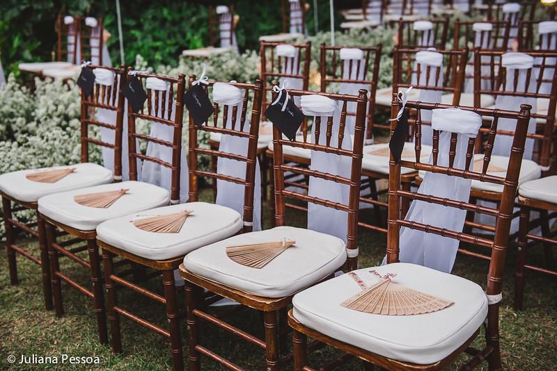 analu-e-gomes_07mai16_cadeira_cerimonia_deck-manu-2