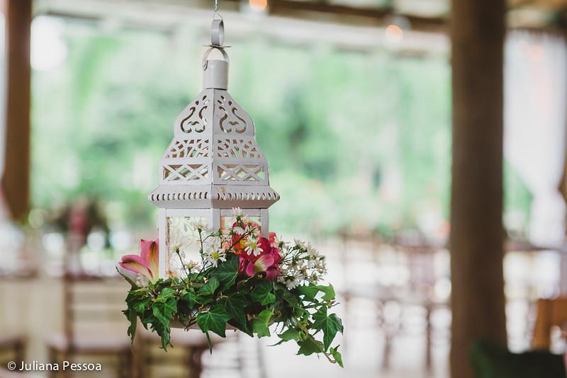 analu-e-gomes_07mai16_lanterna-marroquina_decoracao-de-flores_pendente