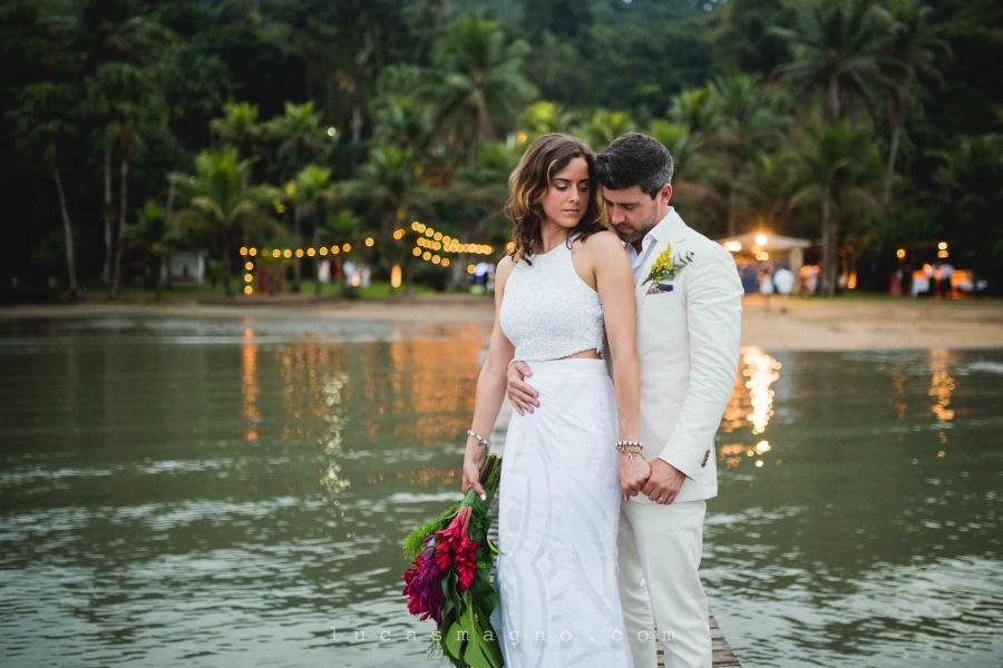 Casamento leve e encantador em Paraty – Dani & Jamie