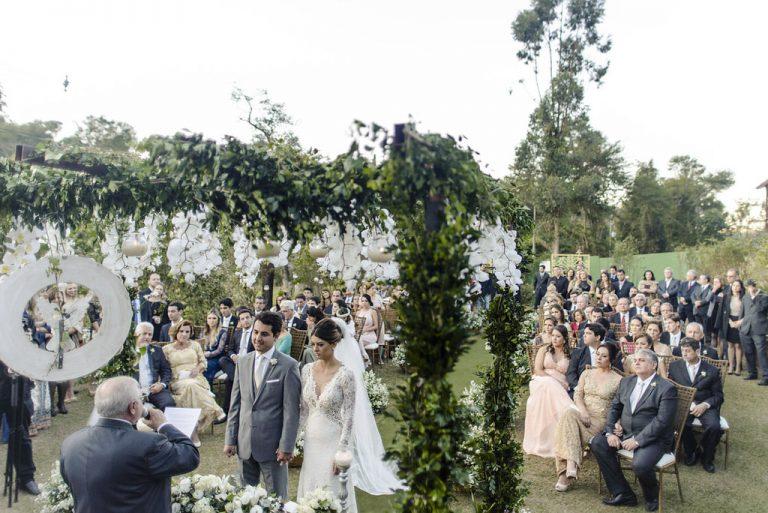 Casamento Rústico Chic com cerimônia ao ar livre – Mari & Rafa