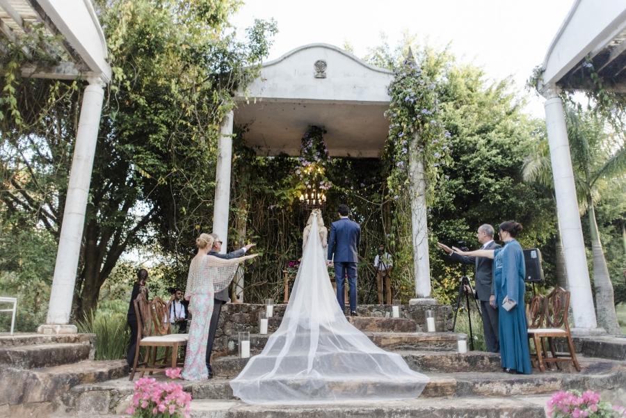 casamento-classico-ao-ar-livre-30