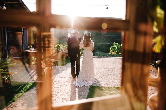 casamento-romantico-ao-ar-livre-30