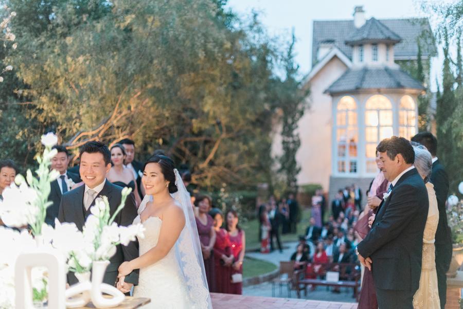 casamento-romantico-oriental-ao-ar-livre-34
