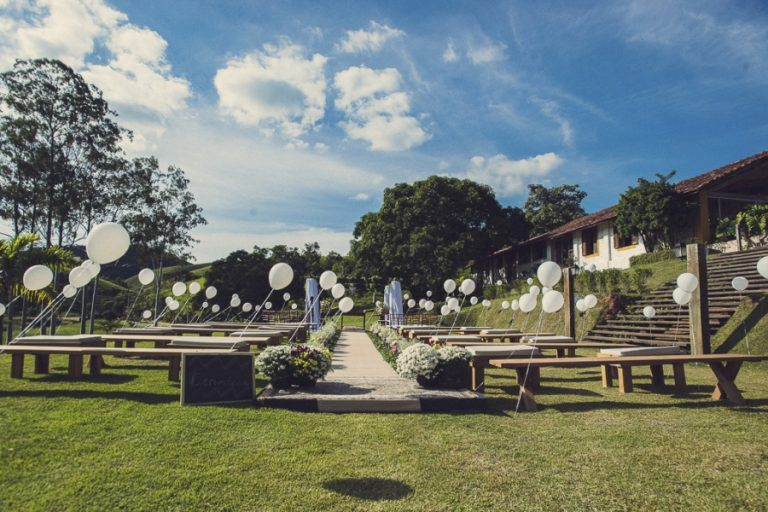 Cerimônia de Casamento com Balões – Gabi & Luiz
