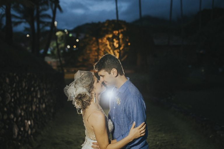 Casamento com Luau na Praia – Ariane & Tiago