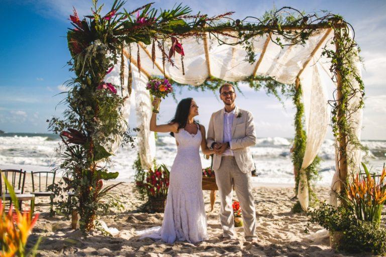 Casamento Colorido e Tropical em Maresias – Tânia & Otávio