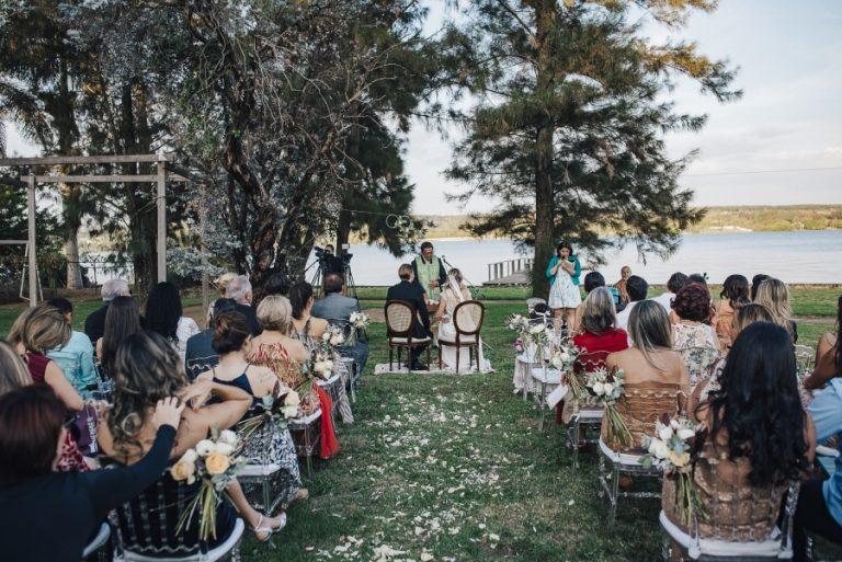 Casamento Romântico e Minimalista ao ar livre em Brasília – Mariana & Marcus