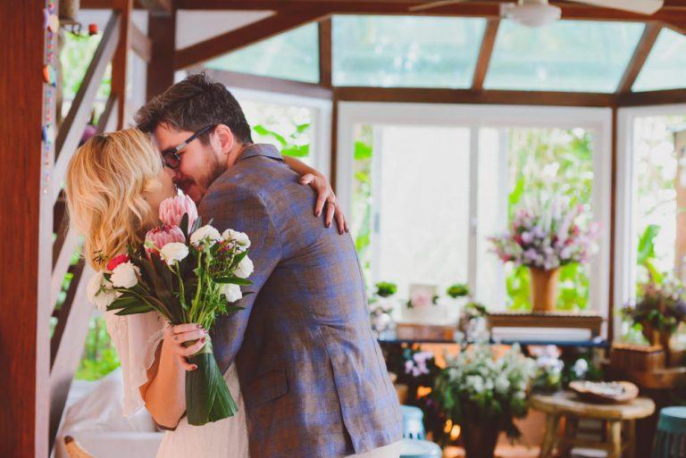 Casamento aconchegante na casa de praia com surpresa no dia seguinte! – Daiane & Luiz