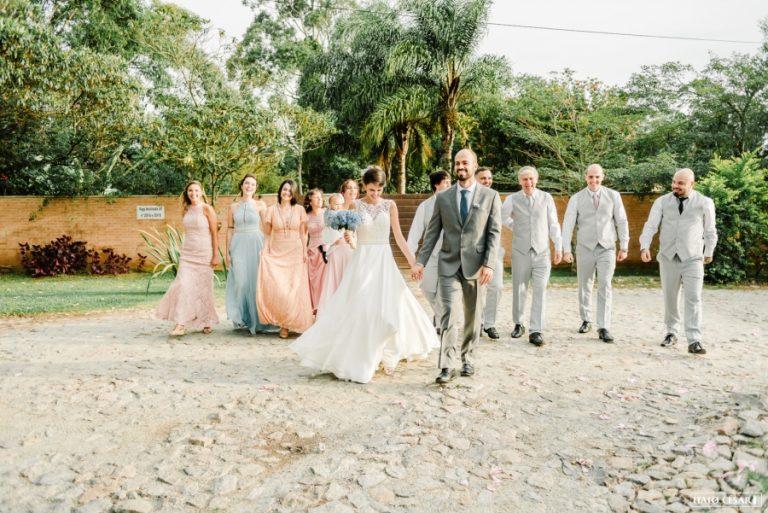 Mini Wedding Lindo na Casa da Dona Diquinha – Camila & Bruno