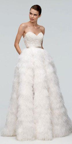 vestido-noiva-saia-com-pena