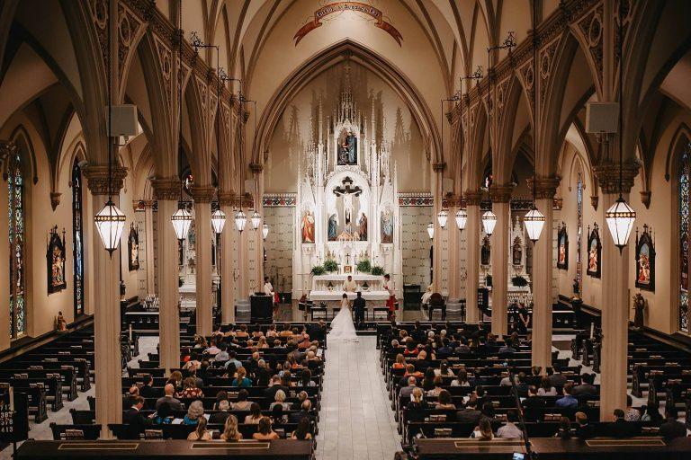 {Dicas Úteis} Casamento na igreja: tudo o que você precisa saber