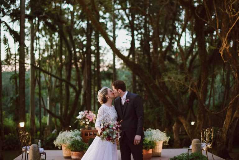 Casamento ao pôr do sol na Fazenda Santa Bárbara – Gabriela & Gustavo