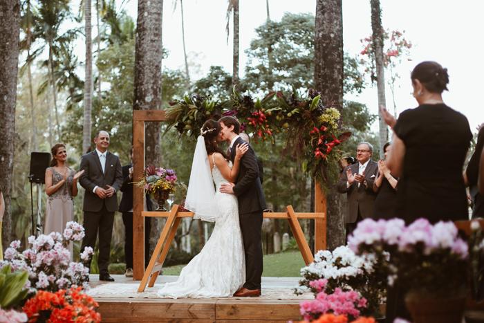 Colorido e Descontraído na Fazenda – Casamento Marina & Raphael