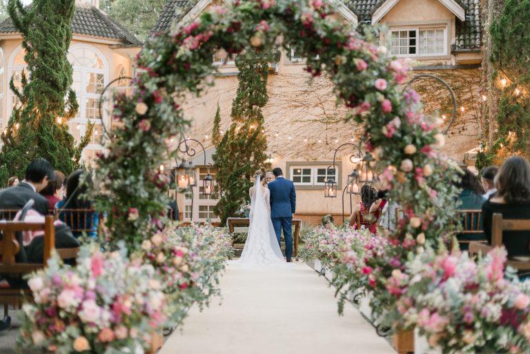 Flores e Delicadeza no Hotel Fazenda Recanto da Paz – Lorraine e Marcos