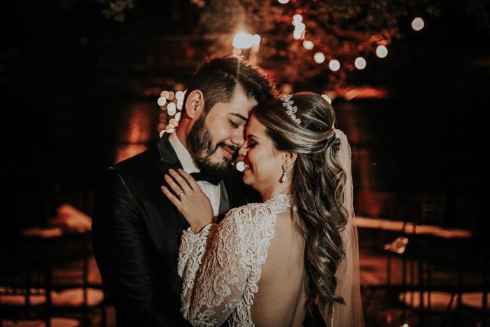 casamento-rustico-chique-de-noite (22)