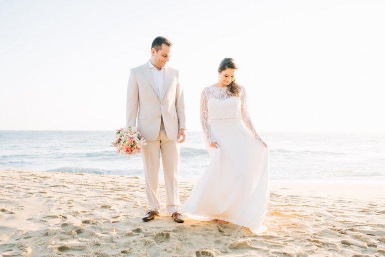 Romantismo em São Sebastião – Casamento pé na areia Juliana e Leonardo