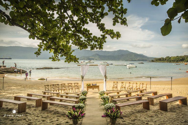 Despojado e na Praia – Casamento em Ilhabela Thalita e Fernando