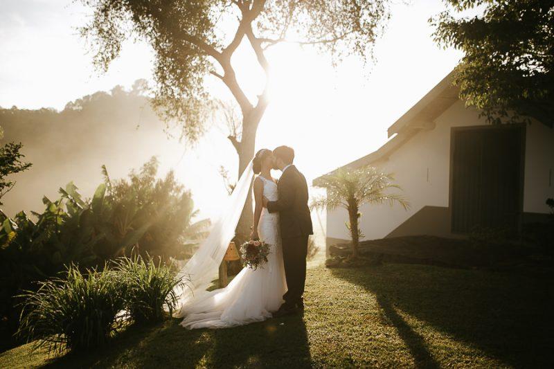 Casamento ao nascer do sol Charissa e João – Para morrer de amores!