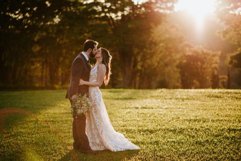 Casamento Rústico Greenery na Fazenda – Taís e Denis