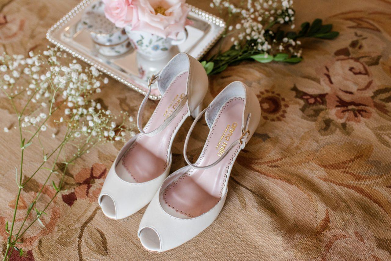 52eee46295 Dicas Úteis  Como escolher o sapato de noiva ideal