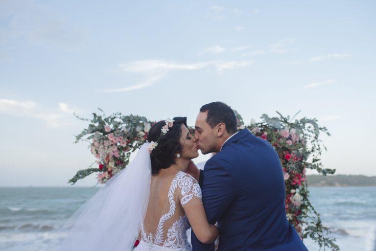 Casamento Leve e Romântico em Búzios – Alice & Fernando