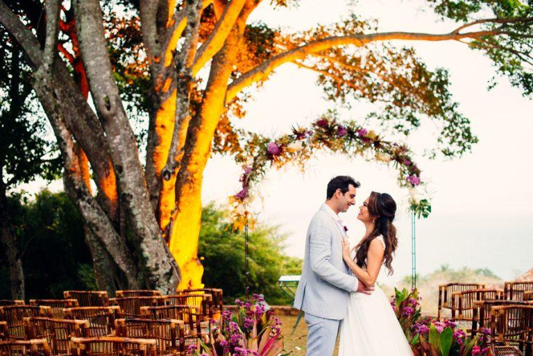Sob a natureza exuberante de Ilhabela – Mariana & Bruno