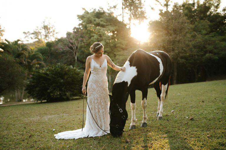 {Editorial Noivas e Cavalos} Vestidos para noivas românticas e modernas