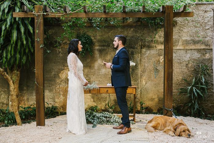 Renovação de votos delicada em um jardim secreto – Dani & Gabriel