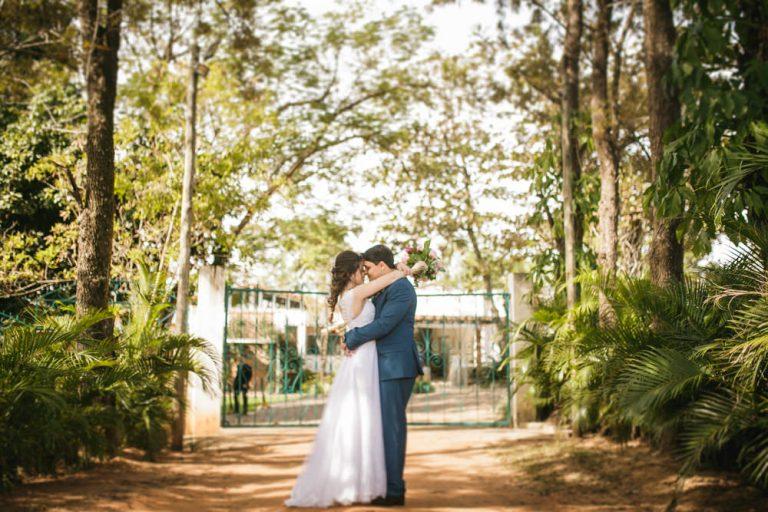 Mini Wedding diurno, rústico e muito romântico – Nayara & Marcos