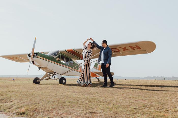 Ensaio pré-wedding no hangar – Bruna & Bruno