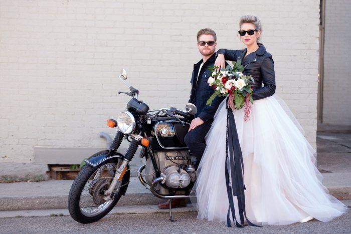 Jaquetas no dia do casamento: você vai amar essa tendência!