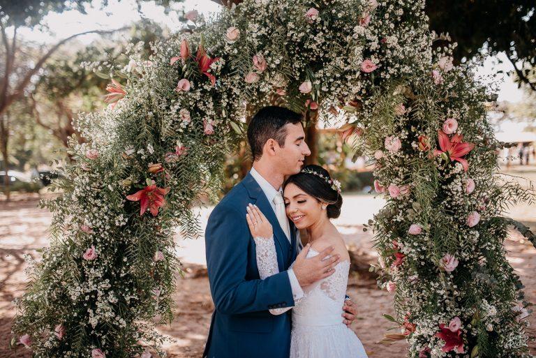 casamento romantico ao ar livre