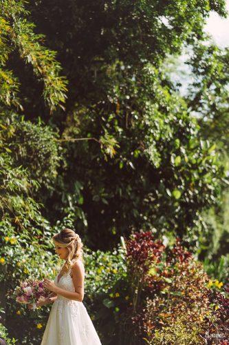 casamento-romantico-intimista-no-sitio-meio-do-mato (10)