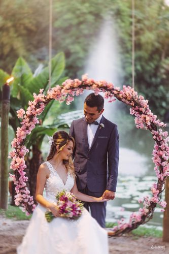 casamento-romantico-intimista-no-sitio-meio-do-mato (32)
