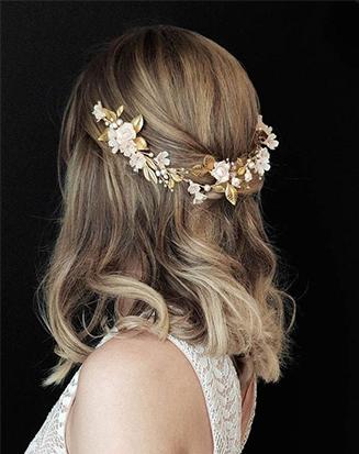penteado-para-casamento-cabelo-curto-liso-com-enfeite