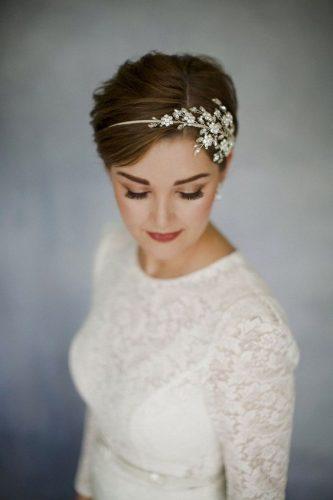 penteado-para-casamento-em-cabelo-curto-com-tiara