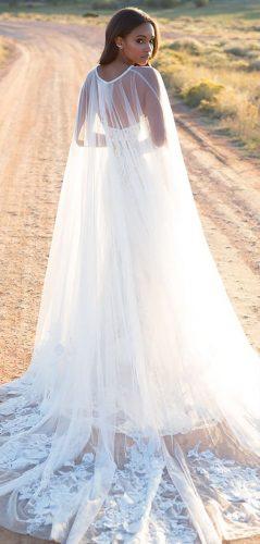 vestido-de-noiva-com-capa-e-cauda