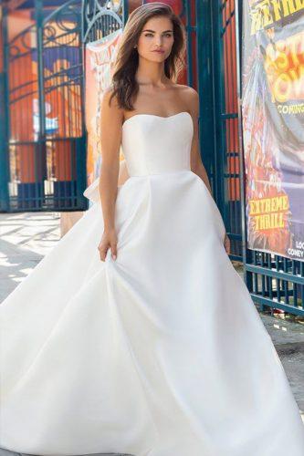 vestido-de-noiva-minimalista-estilo-princesa